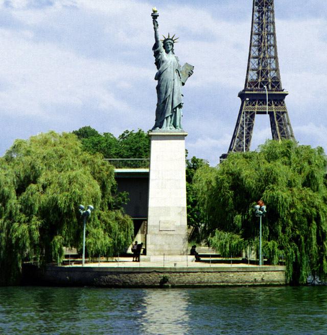 Paris-liberte-eiffel