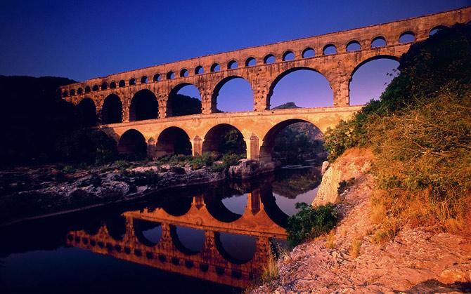 Pont-du-Gard-Languedoc-Roussillon-France