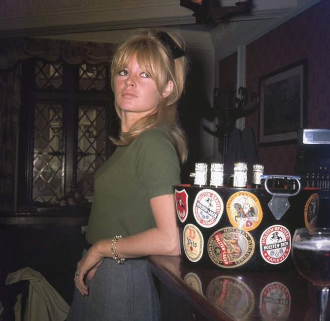 brigitte-bardot-london-11