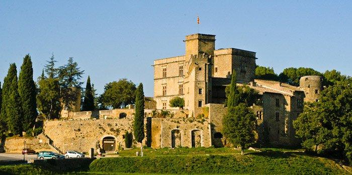 lourmarin-castle-1