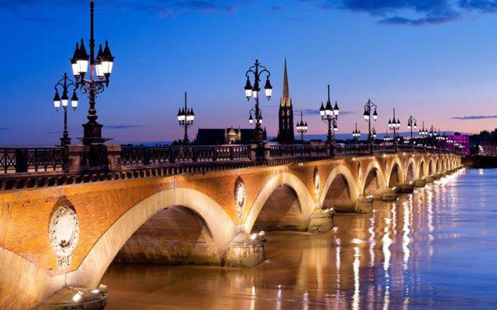 Bordeaux-getting-there-bridge-large