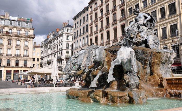 Lyon-Fontaine_de_Bartholdi