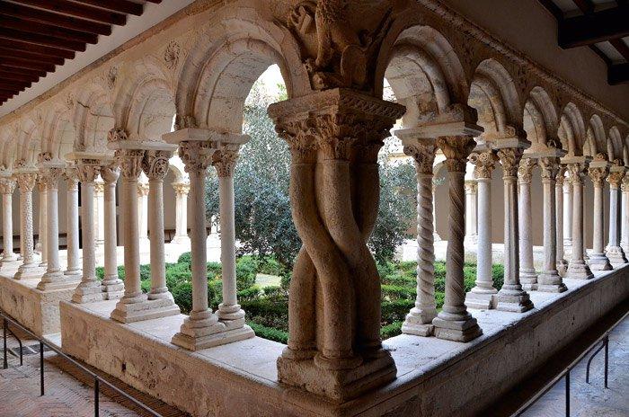 Aix_en_Provence-cloitre